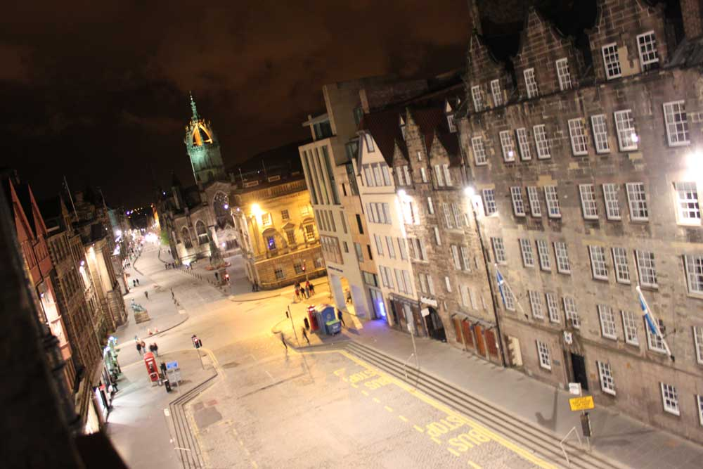 Royal Mile, Edinburgh, at night
